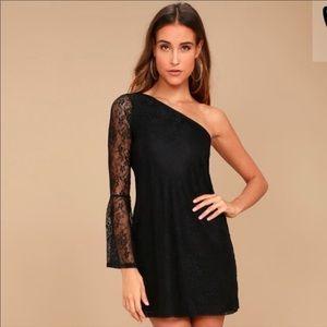 {Lulus} one shoulder lace dress